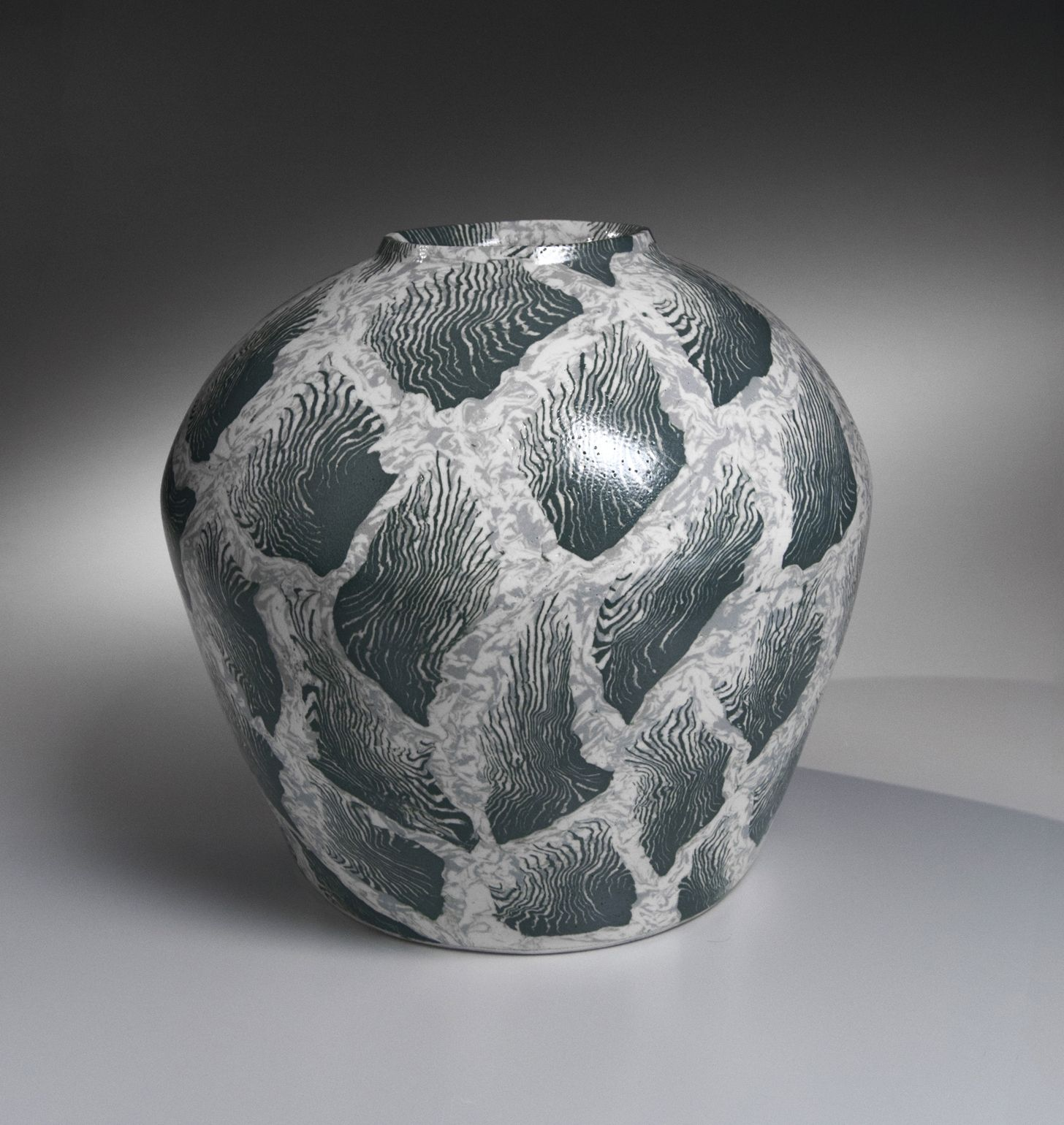 Matsui Kōsei (1927-2003), Large neriage vessel with tidal-grass patterning
