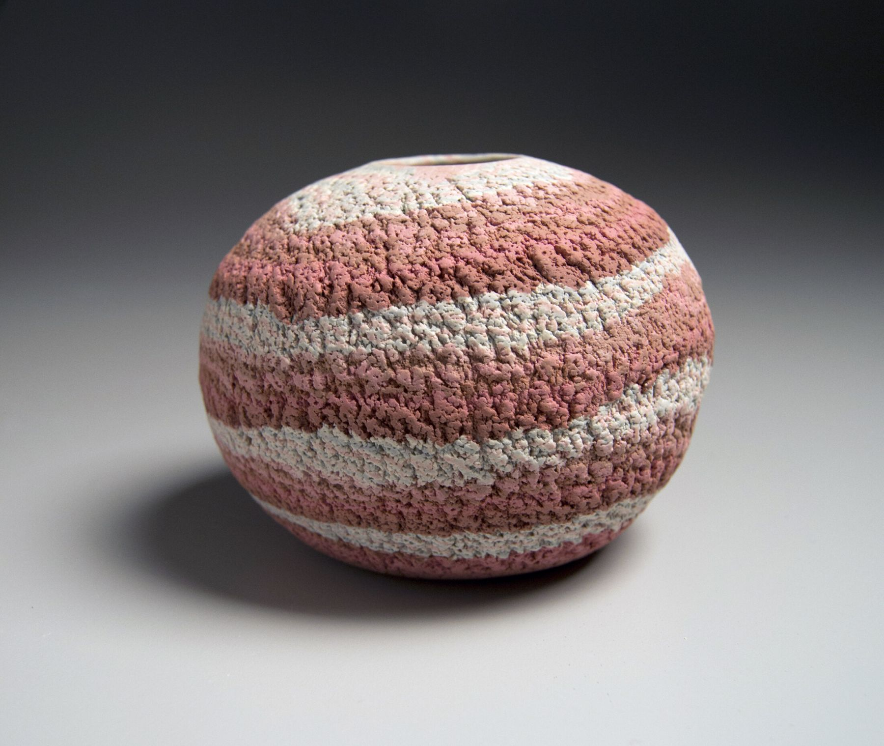 Matsui Kōsei (1927-2003), Small globularneriage(marbleized) vase