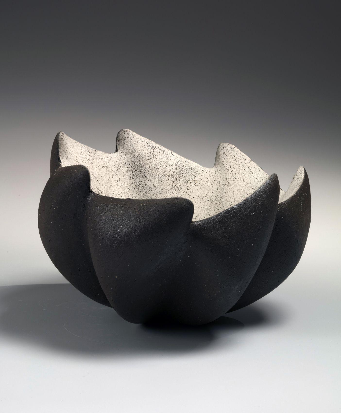 Ichino Masahiko (b. 1961), Lobed bowl with rising wave-like mouth