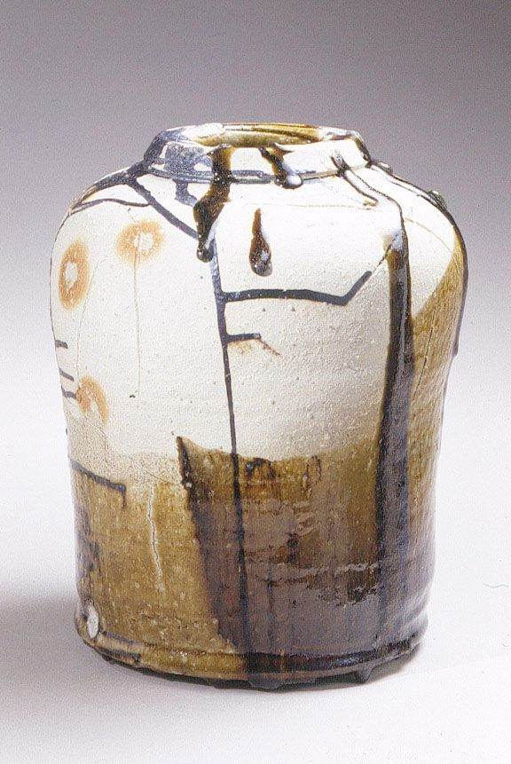 Koie Ryōji (b. 1938), Large stoneware vessel with green oribe glaze