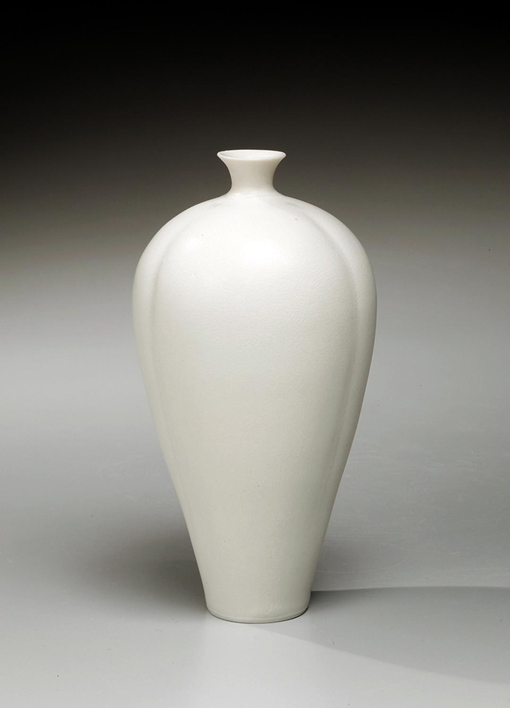 Ito, Hidehito, Ito Hidehito, white porcelain, porcelain, Japanese, ceramics, 2012, contemporary, Japanese ceramics, contemporary ceramics, vase