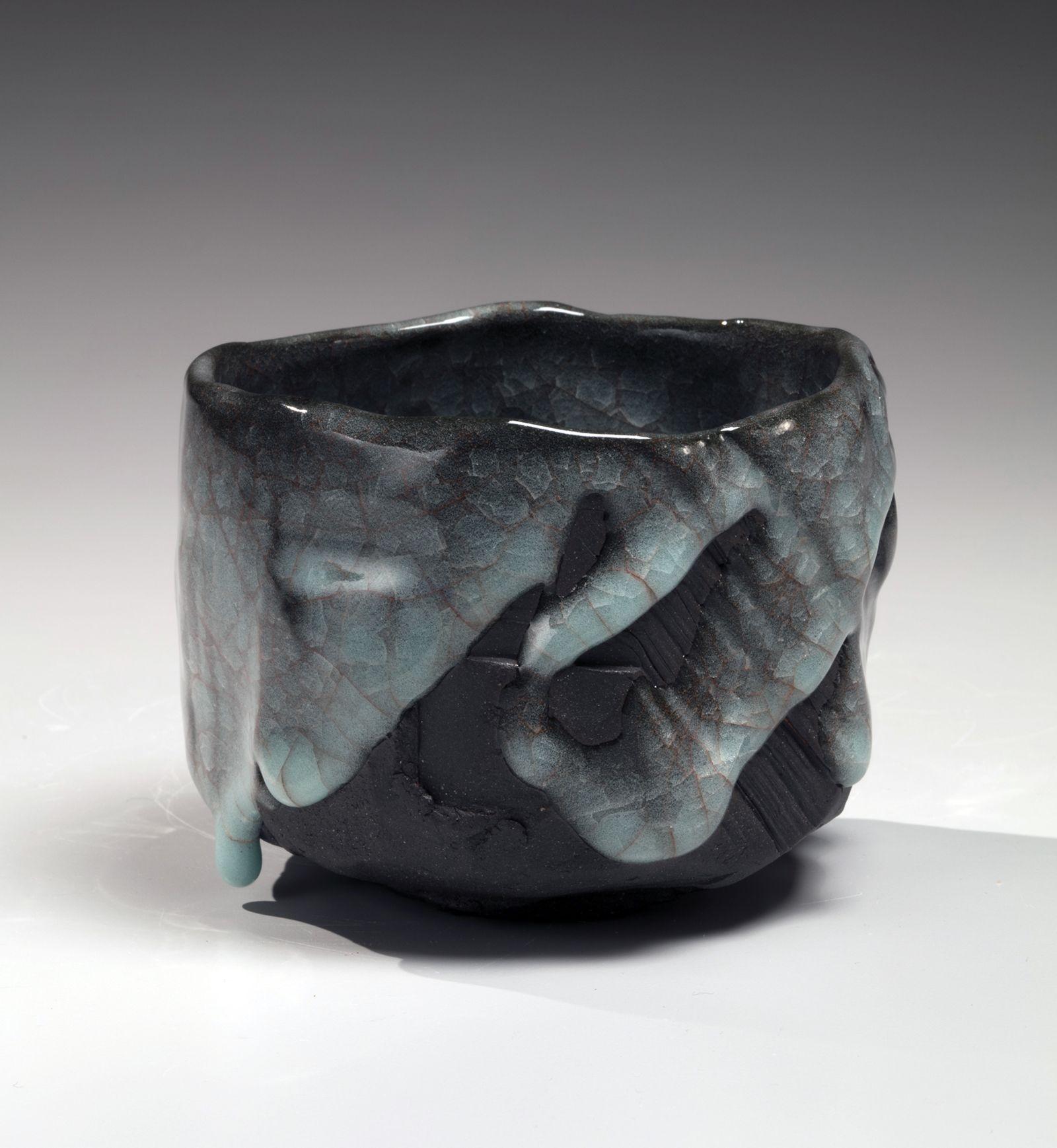 Uraguchi Masayuki (b. 1964), Straight sided teabowl with irregular mouth