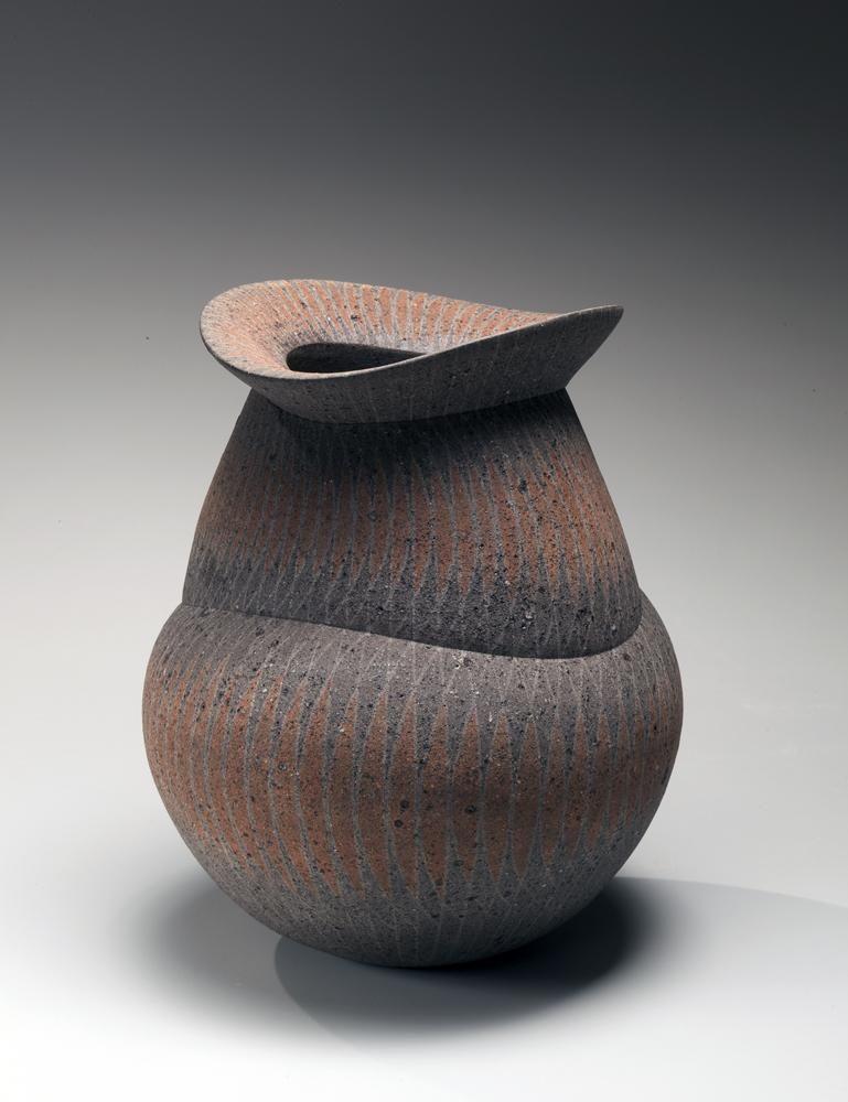 Iguchi Daisuke, vase with metal file-impressed surface, 2011, impressed stoneware, Japanese ceramics, Japanese pottery,Japanese vase