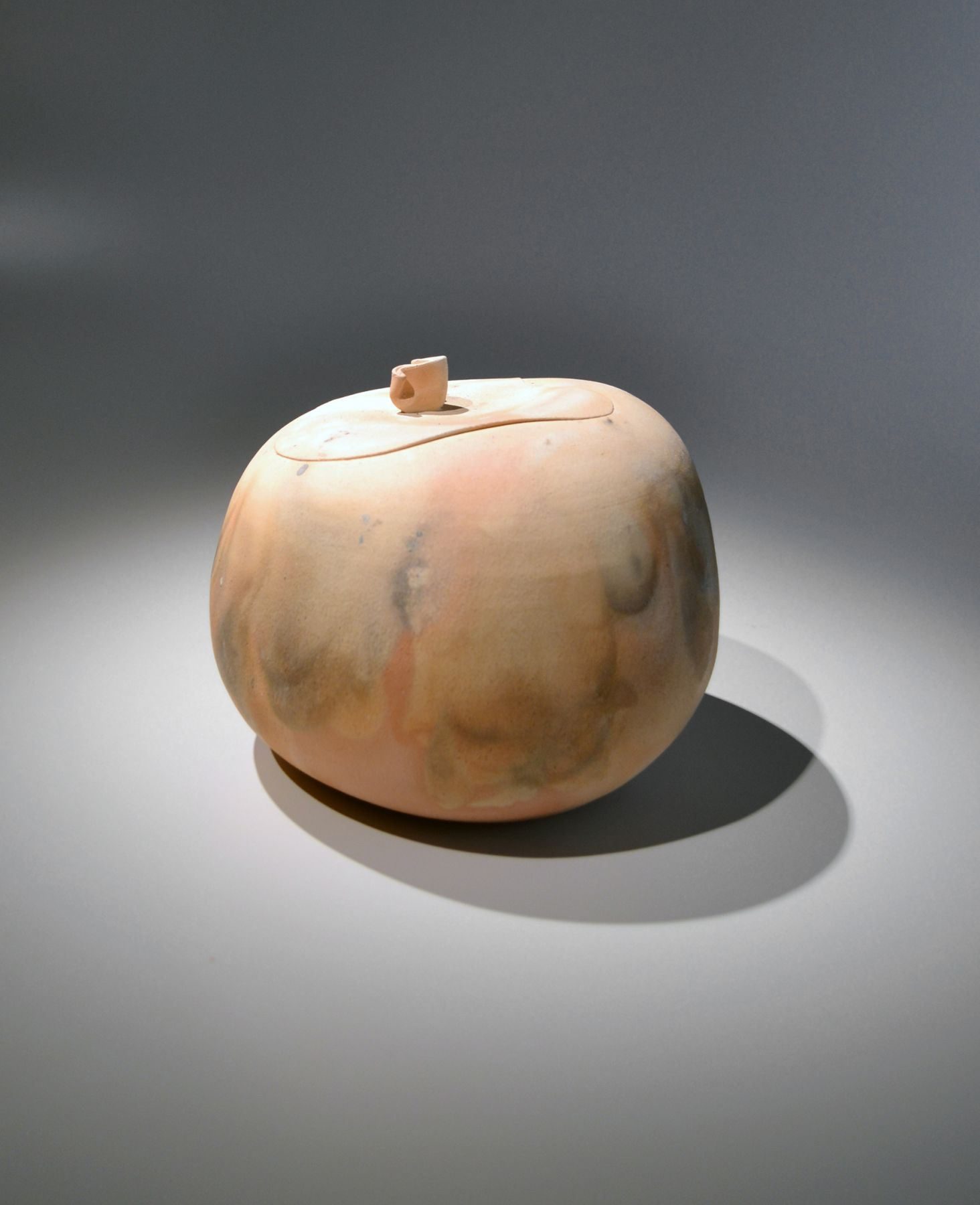 "Kawase Shinobu (b. 1950), Mizusashi(water jar) with a matching ceramic lid, Title: ""Flare"""