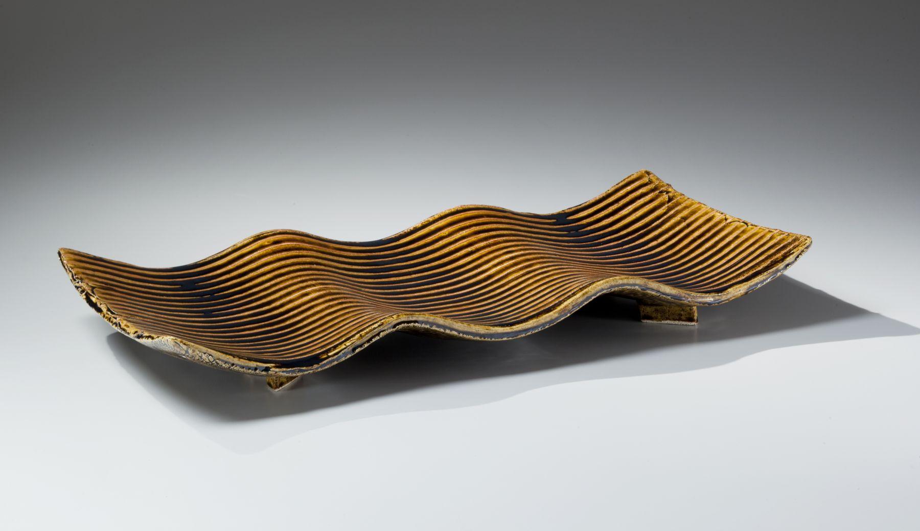 Suzuki Tetsu (b. 1964), Undulating rectangular platter