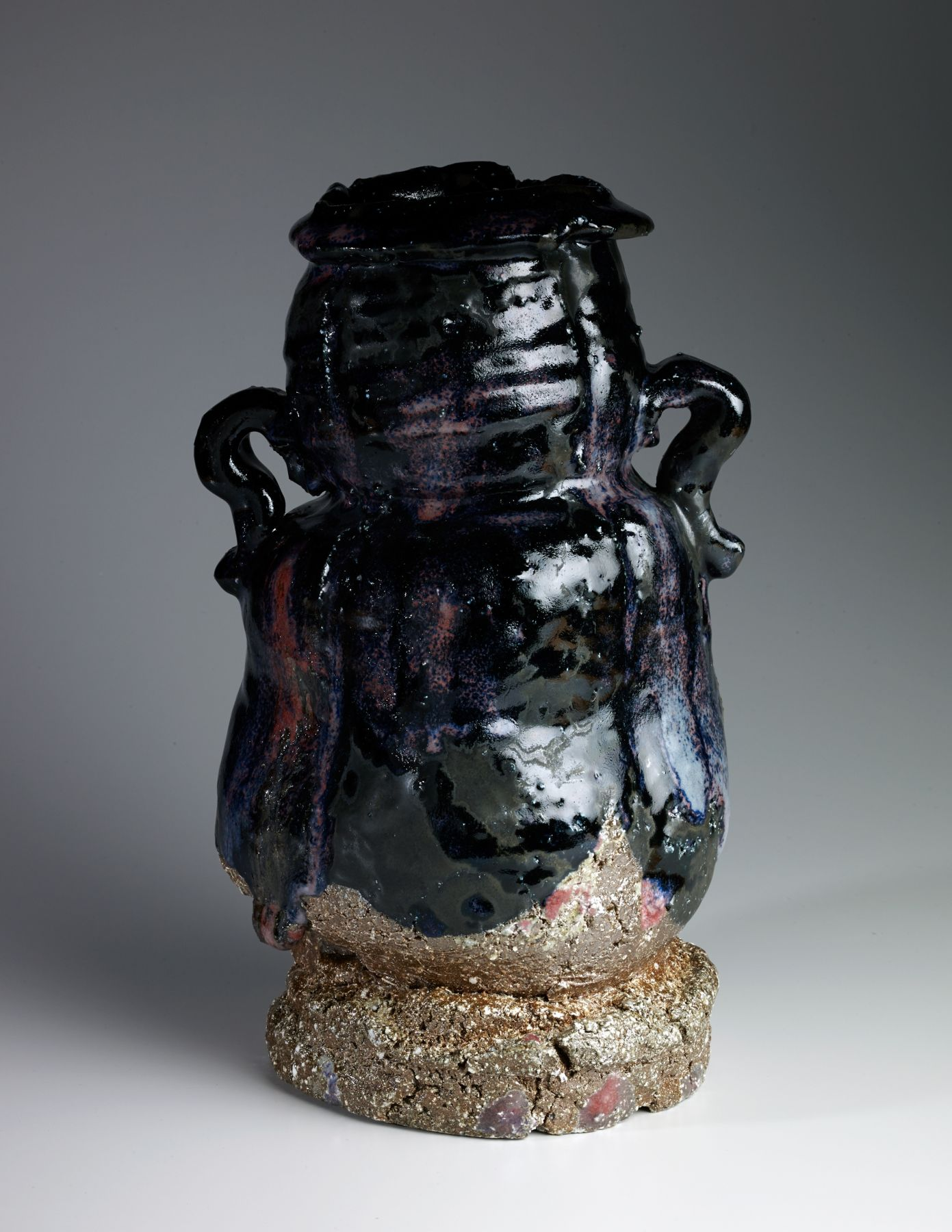 Tanaka, Sajiro, Tanaka Sajiro, shinsha, copper, red, glazed, glaze, glazed stoneware, stoneware, handle, vase, raised, neck, highlights, glossy, black, 2016, contemporary, traditional, ceramics, Japanese, Japan, Japanese ceramics, contemporary Japanese ceramics, pottery, tea, art gallery, art, New York, NYC