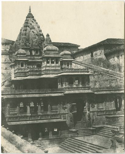 Temple between Agra and Bombay
