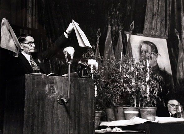 Lysenko, Genes of Stalinism, 1948