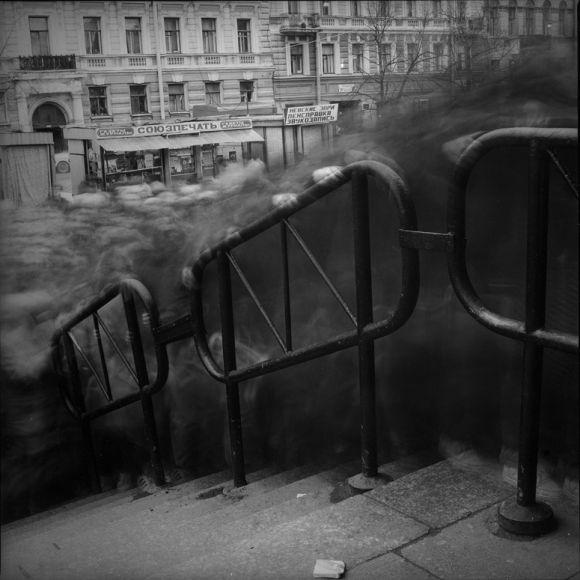Alexey Titarenko (b. 1962, St. Petersburg), Vasileostrovskaya Metro Station (Crowd 2), St. Petersburg, 1993