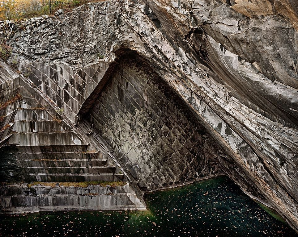 Rock of Ages #62, Rutland Vermont, 1991, chromogenic color print,39 x 49 inches/99.1 x 125.5 cm