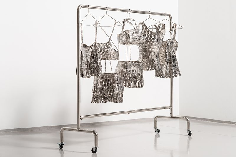 The Rack I Remember, 2019, stainless steel, razor blades and stainless steel