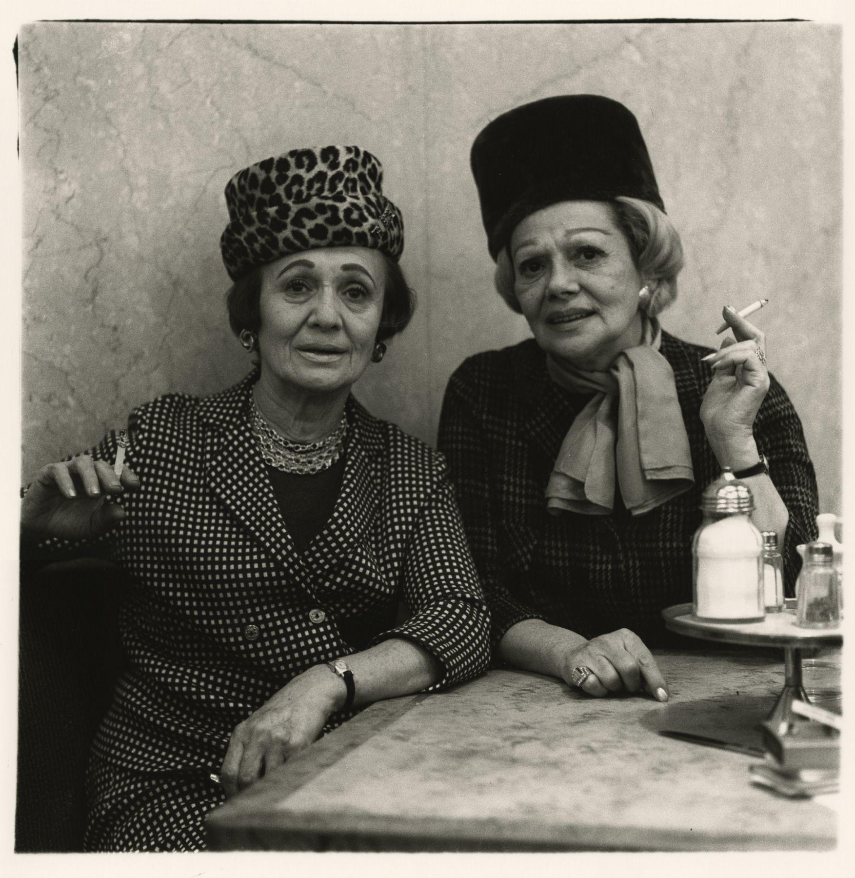 Diane Arbus Two ladies at the automat, N.Y.C., 1966