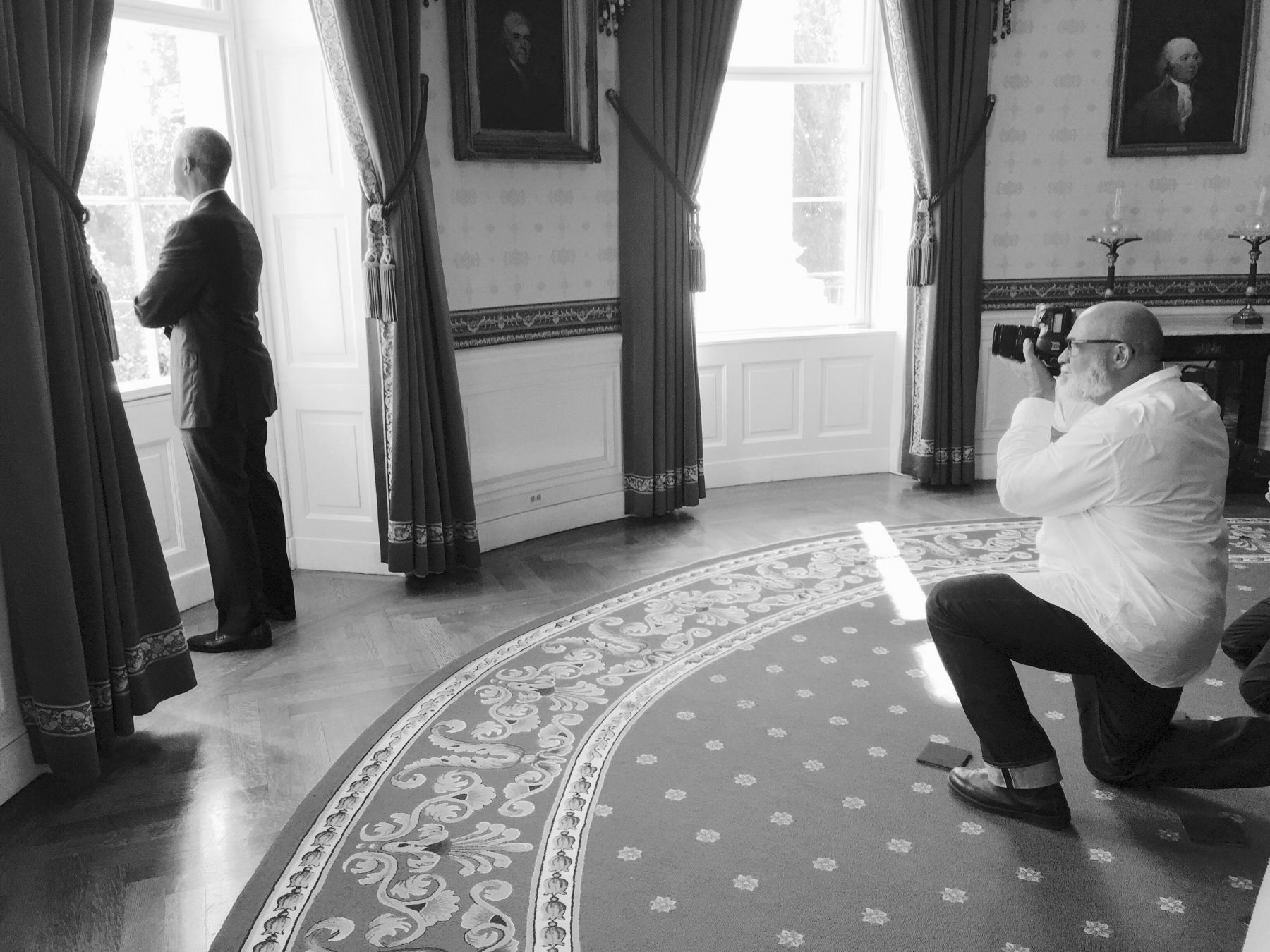 BTS Dan Winters photographing Barack Obama, 2016