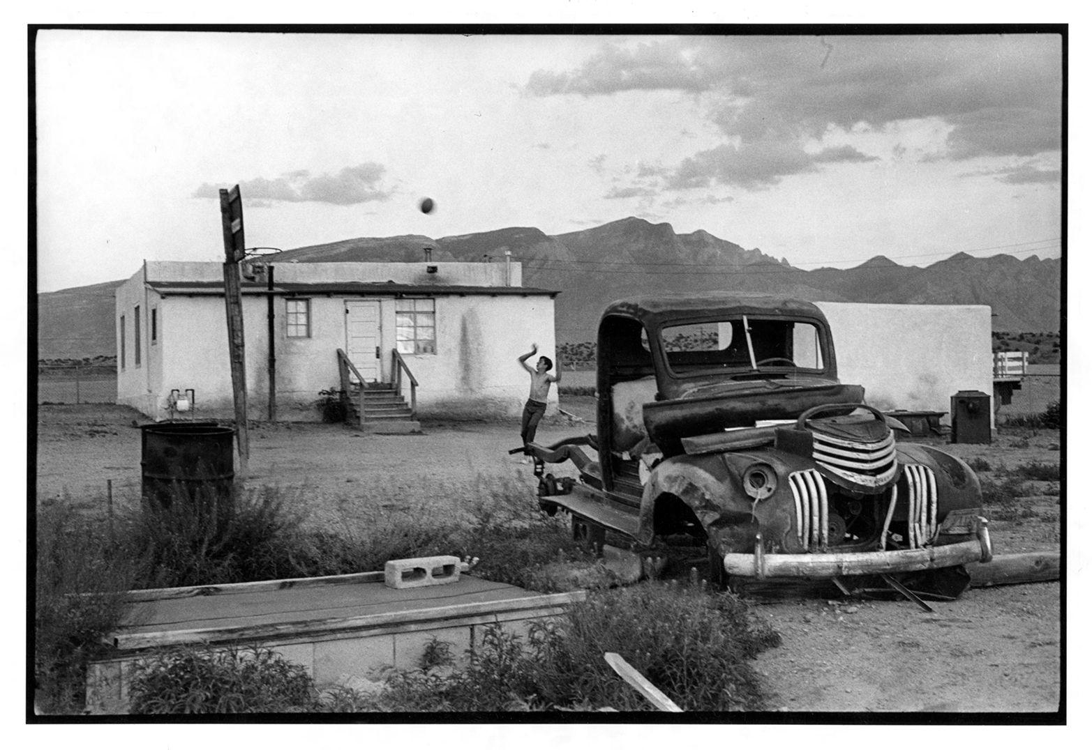 Copyright Danny Lyon / Magnum Photos, Llanito, New Mexico, 1970