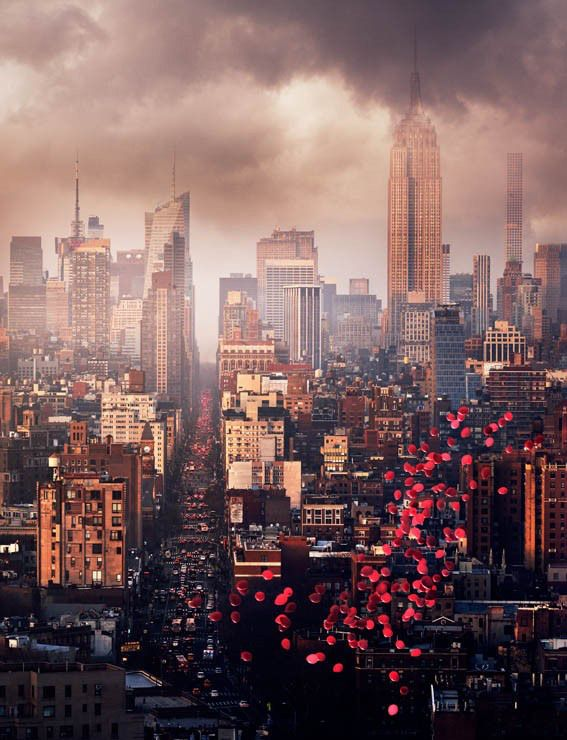 BALLOONS OVER NEW YORK, Archival Pigment Print