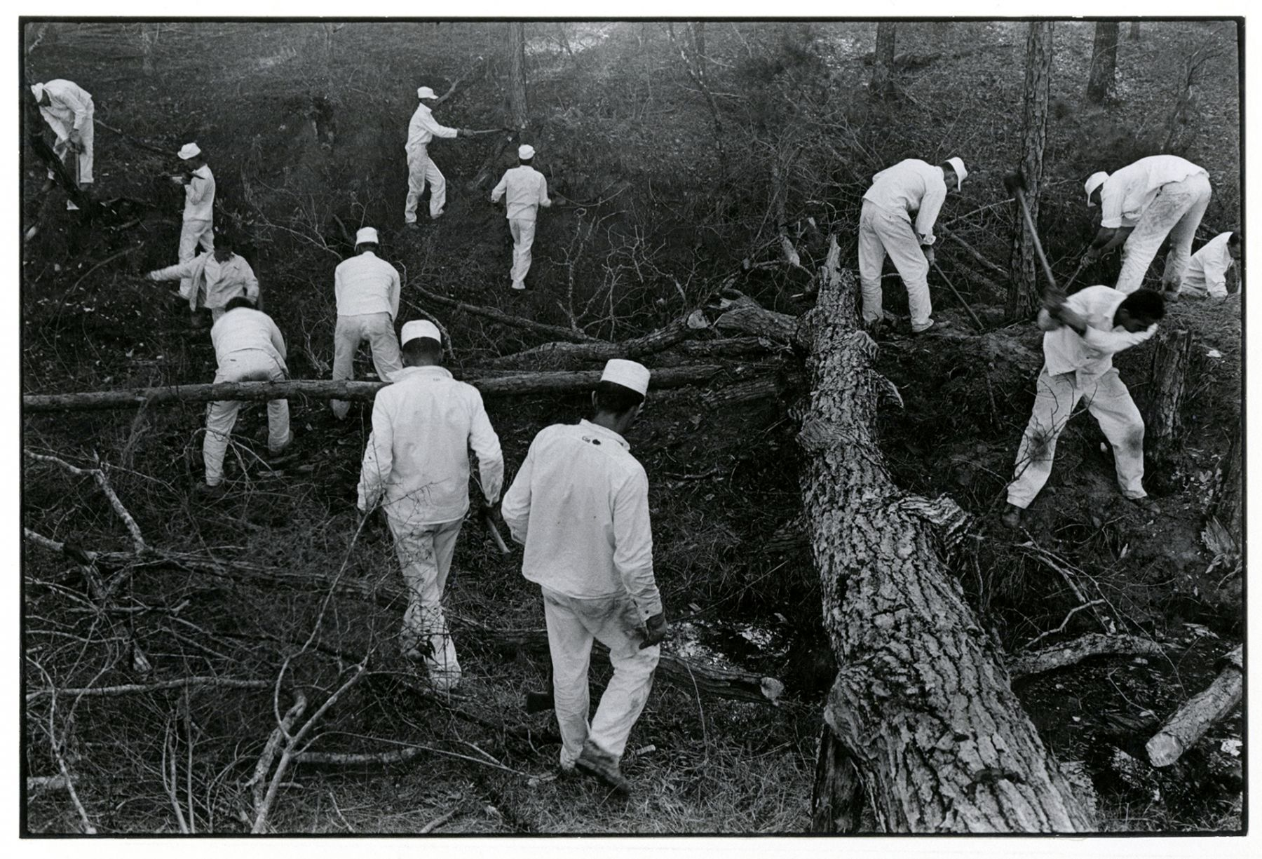 Copyright Danny Lyon / Magnum Photos, The Ellis Woods, from Conversations with the Dead, 1968