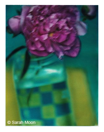 La pivoine, 2000, 29-1/8 x 22-1/2 Color Carbon Photograph, Ed. 15