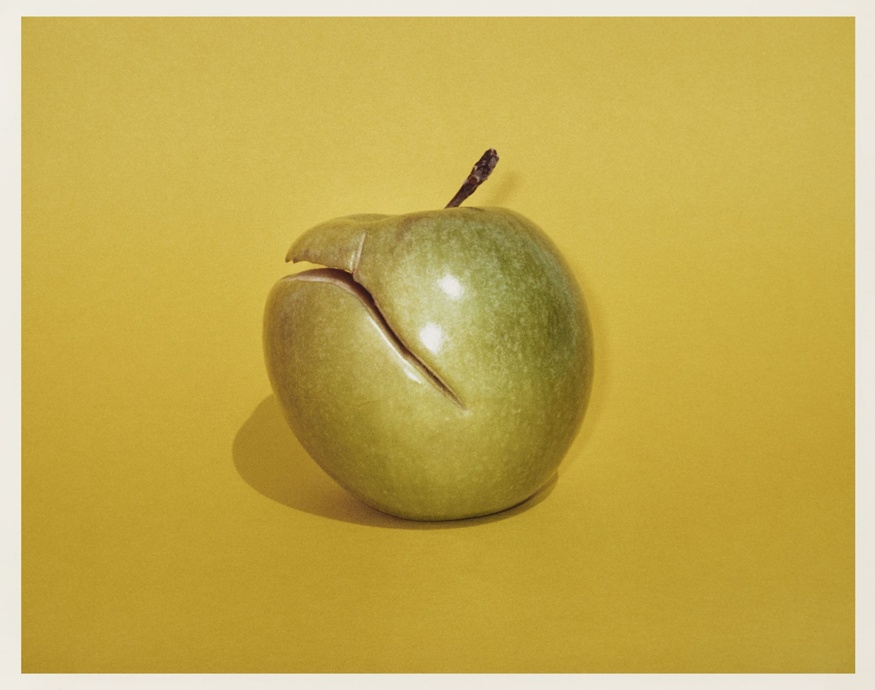 Figures, Yellow Apple, 2017, C-print, Ed. 10