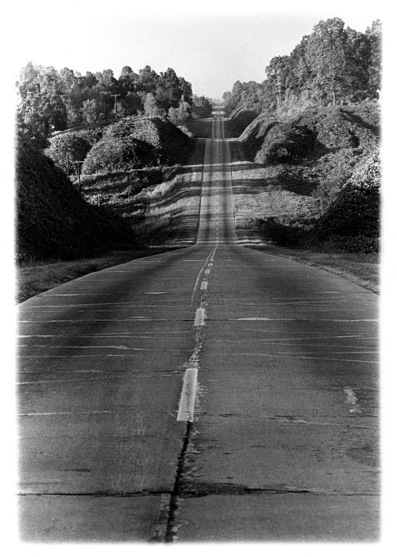 Copyright Danny Lyon / Magnum Photos, Road to Yazoo City, Mississippi, 1964