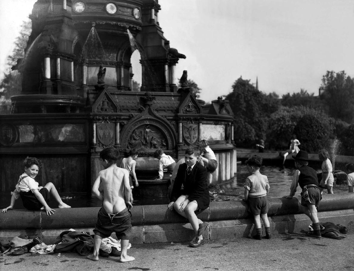The Stewart Memorial Fountain in Kelvingrove Park, Glasgow, 1956, 17 x 22 Archival Pigment Print, Edition 35