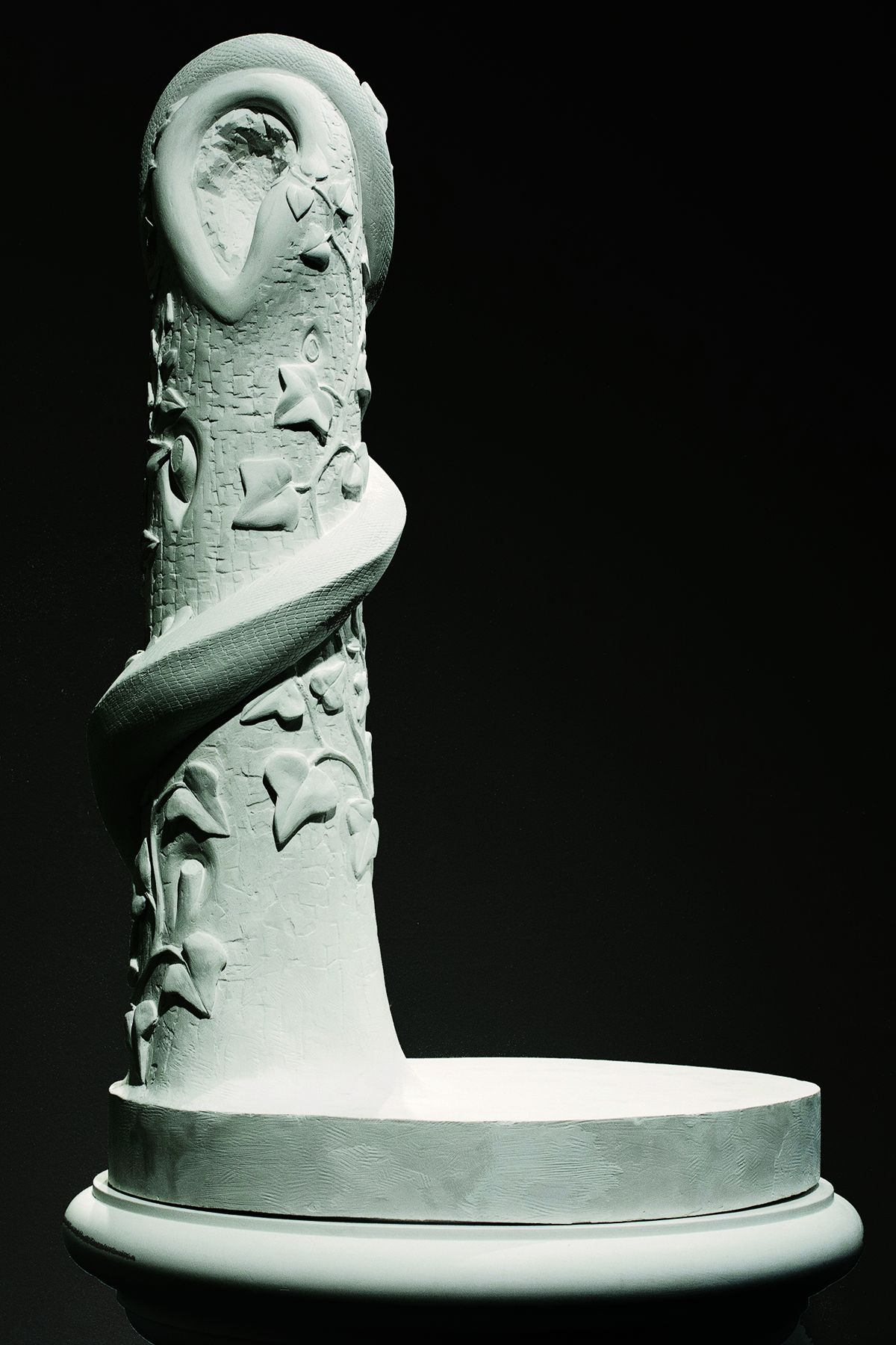 The Stand:Eve Disconsolate, 2013, Plaster, 69 x 26 x 26 in.