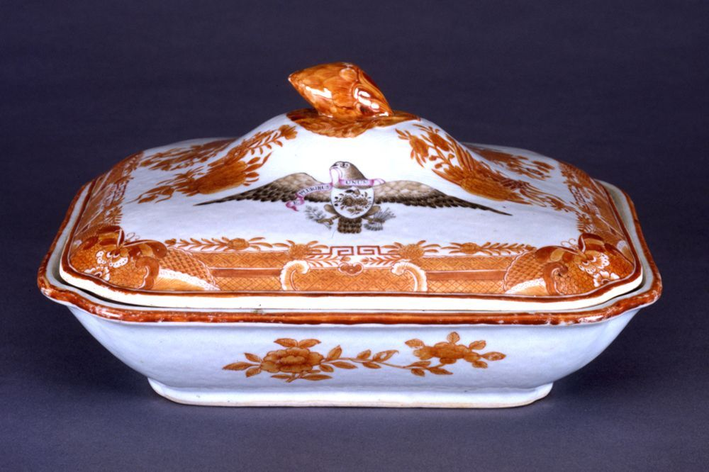 Covered Square Vegetable Dish in Orange Fitzhugh with Sepia Eagle from the Captain William Orne Service, about 1800–10Chinese, for the American MarketPorcelain, painted in underglaze orange and overglaze sepia5 in. high, 9 5/8 in. long, 8 5/16 in. wide