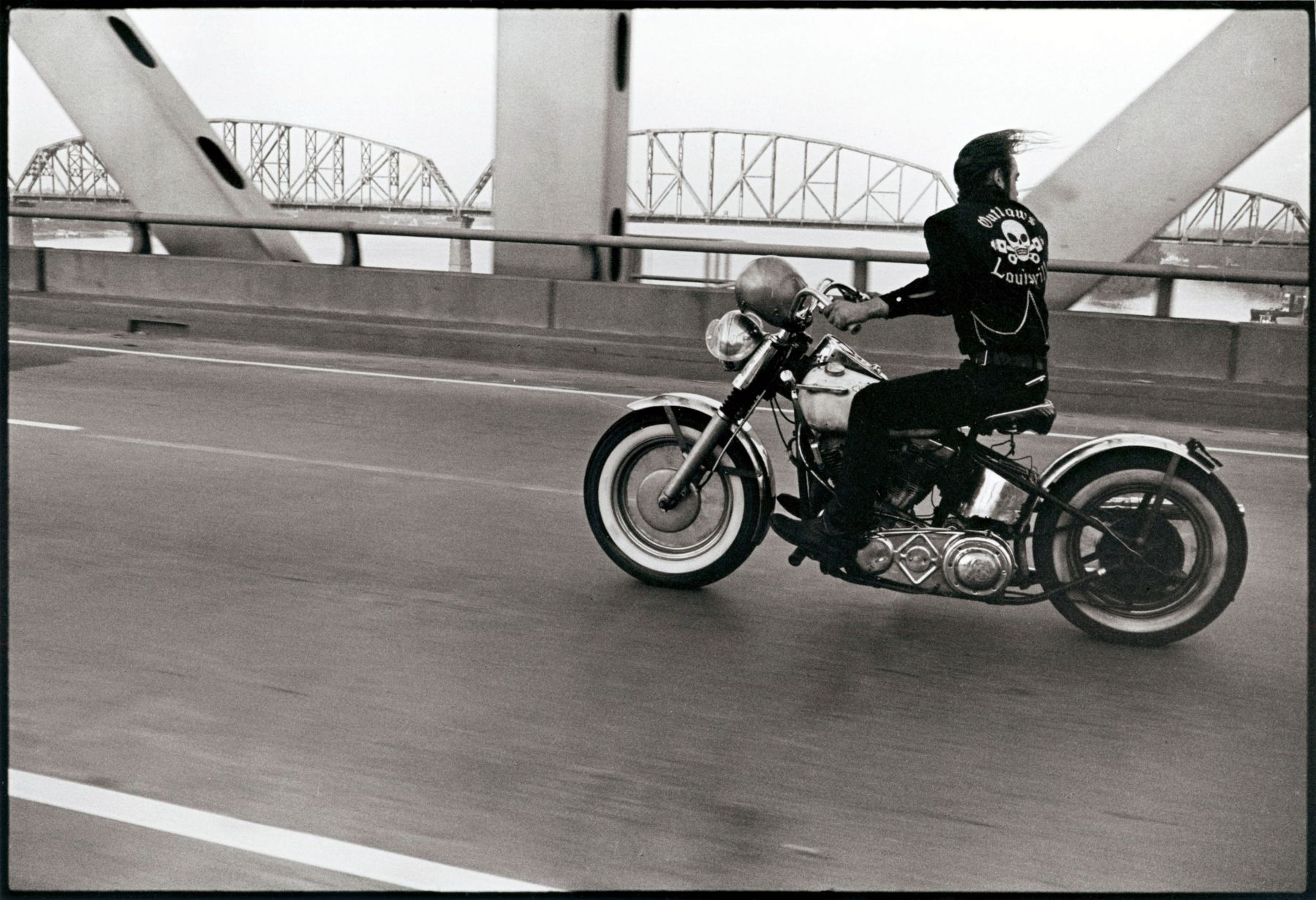 Danny Lyon Crossing the Ohio Louisville