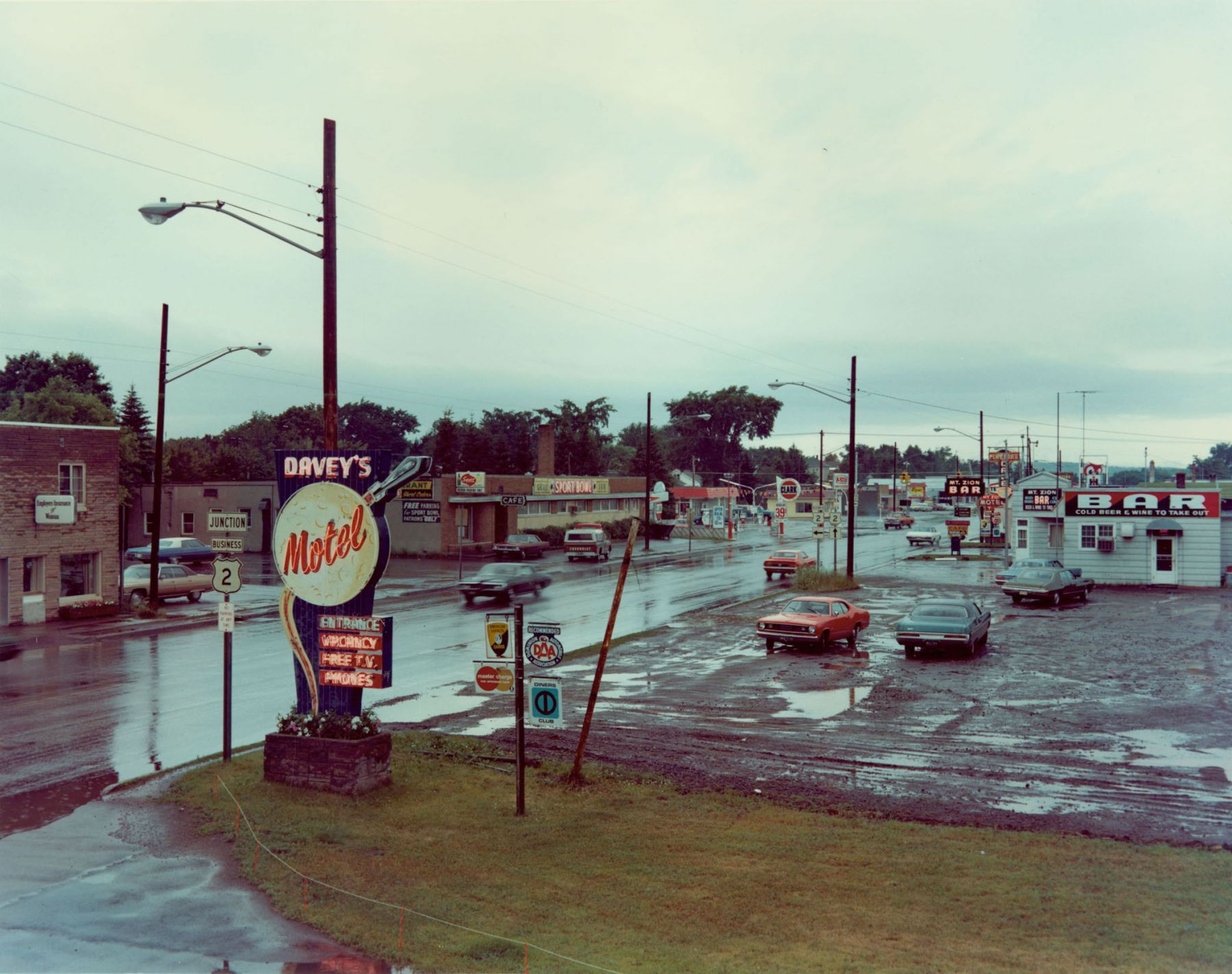 stephen shore U.S. 2, Ironwood, Michigan, July 9, 1973