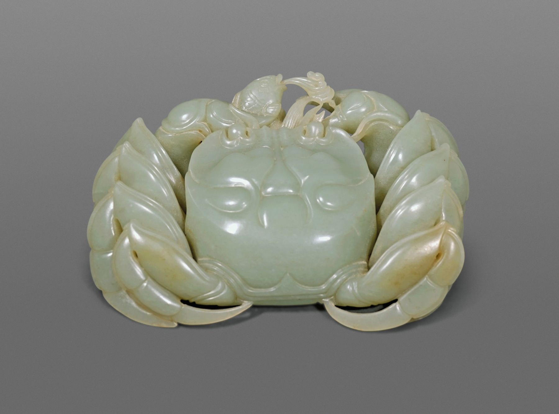 Fine Chinese Carved Jade Crab