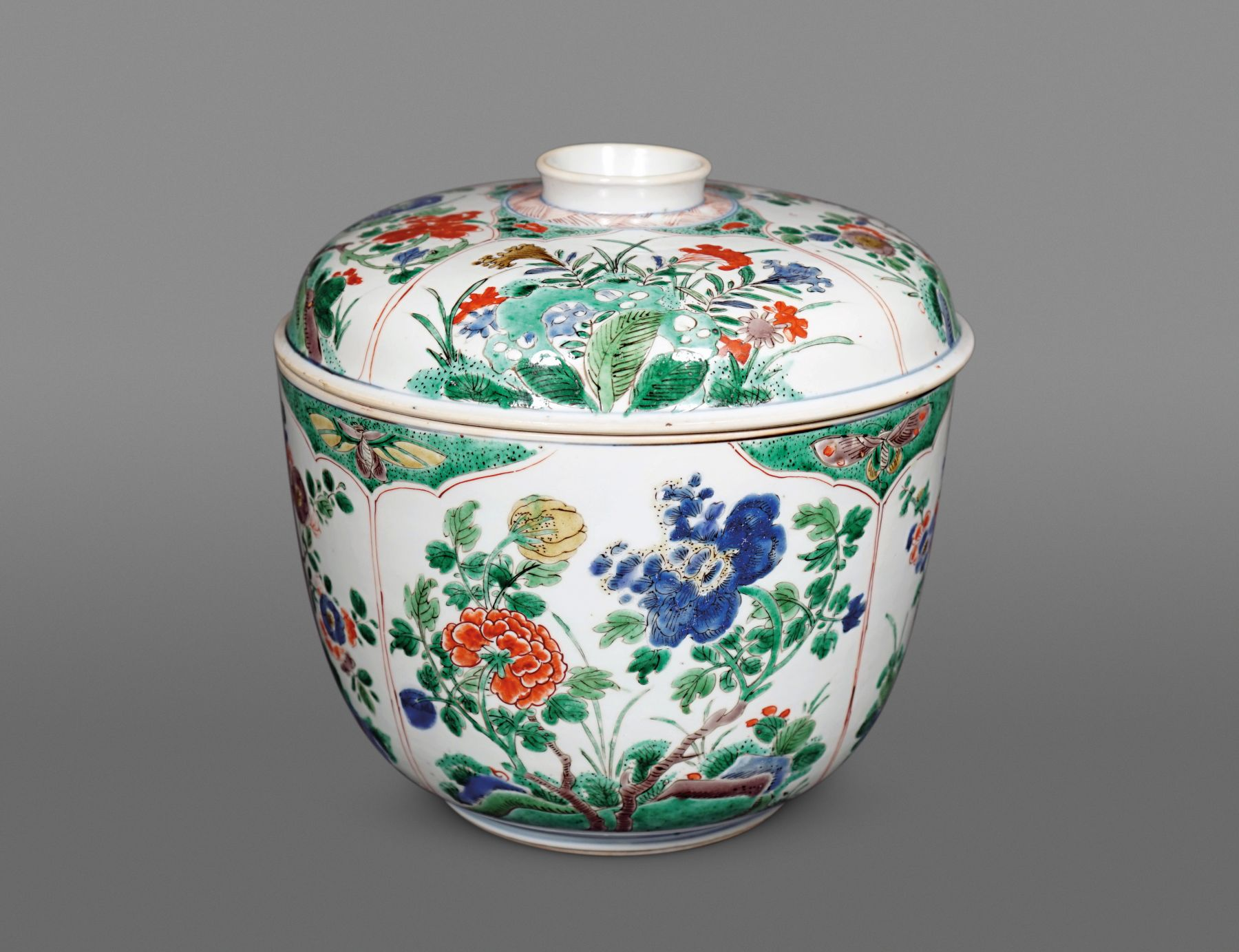 Chinese Famille Verte Porcelain Potiche and Cover