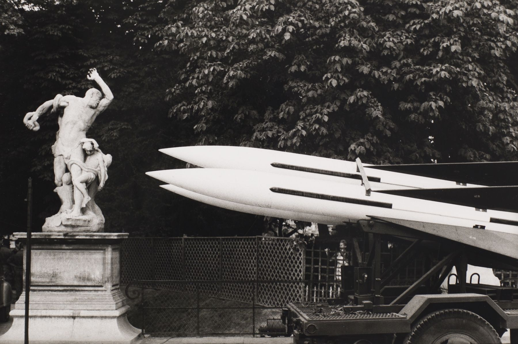 Philippe Salaun (1943-)  Jardin de Tuileries, 1976  Gelatin silver print  12 x 16 inches (paper), black and white photography