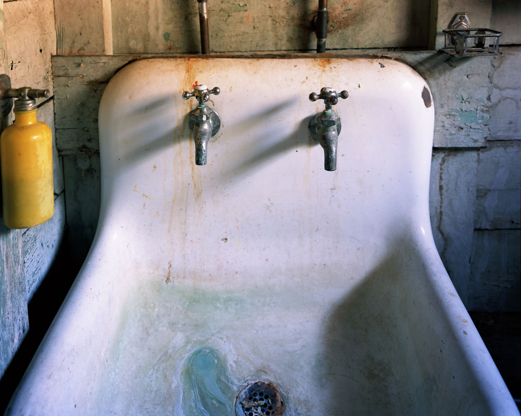 Sink (After Gober)  Archival Pigment Print  Editions of 5  20 x 25 inches  16 x 20 inches