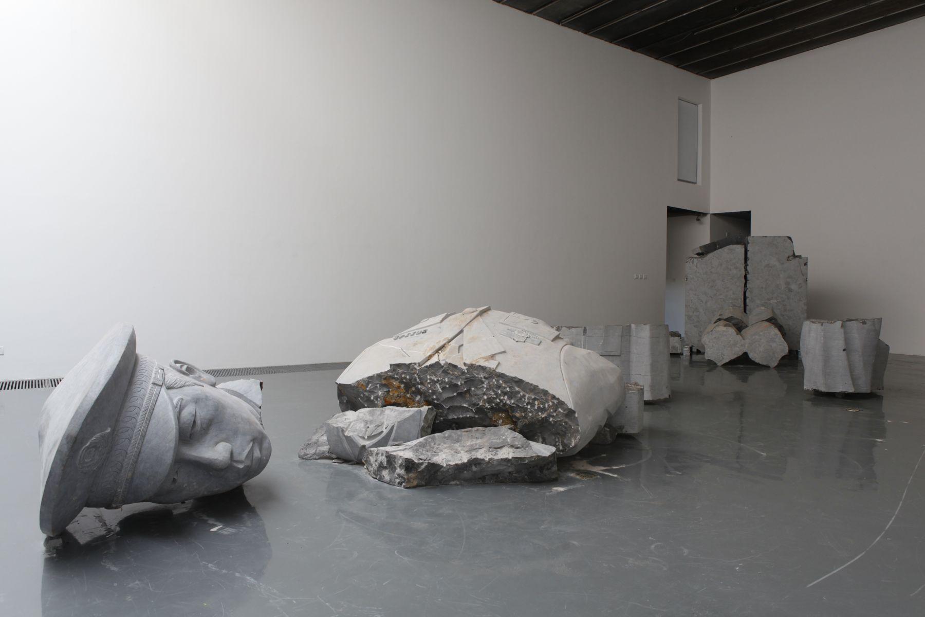 Officerä¼Ÿåƒ, 2011