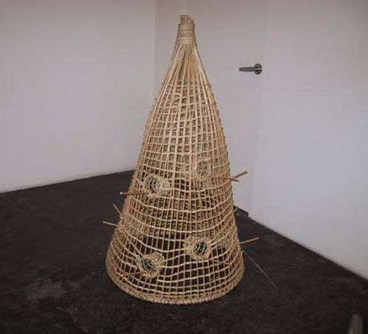 Andreas Slominski, Bird Trap, 1996. Willow and bait, 50 x 36 x 36 inches (127 x 91.4 x 91.4 cm).