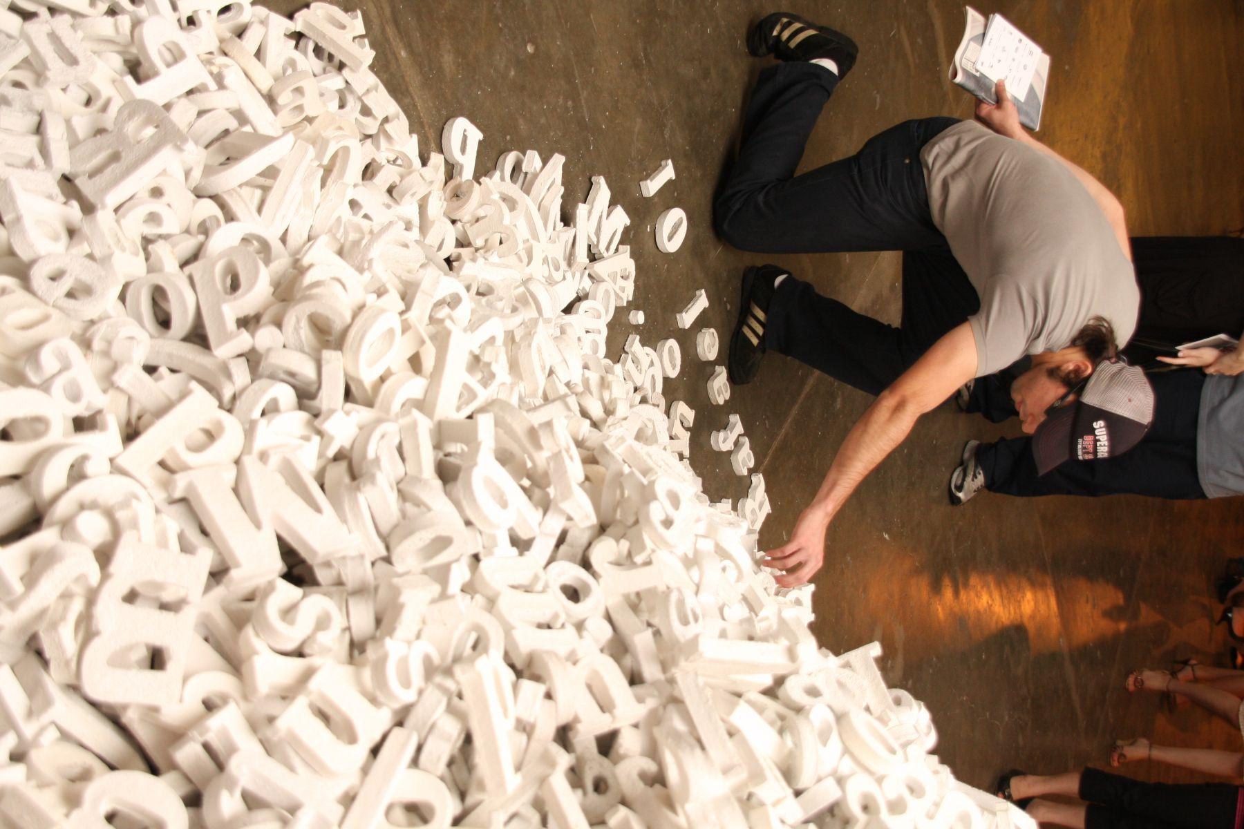 Catalogo, 2009, detailMixed mediaInstallation view,28 Bienal de São Paulo (2009)