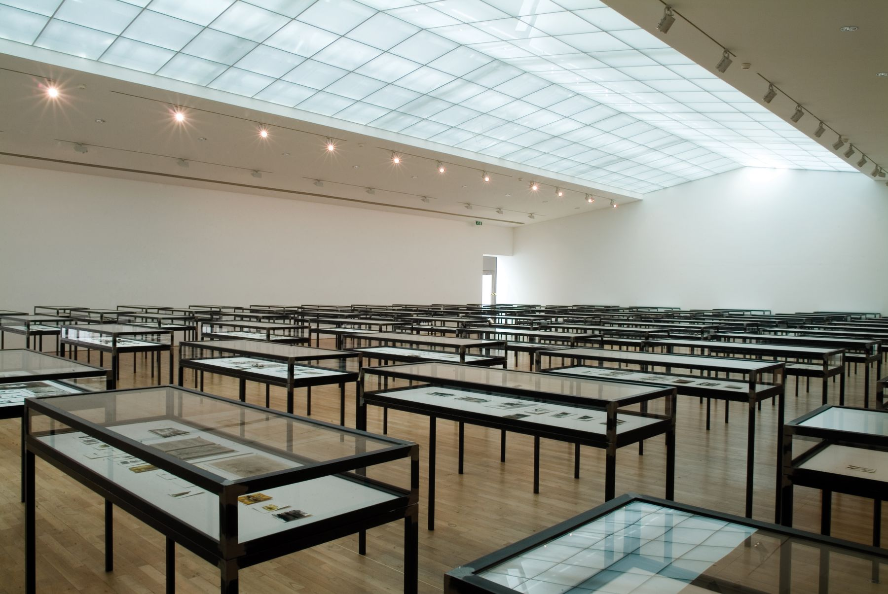 Universe, 2002–06Installation viewStedelijk Museum voor Actuele Kunst (S.M.A.K.) (2006)