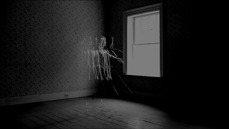 , HIRAKI SAWASouvenir IV(still) 2012 Single channel black and white video Duration 2:20