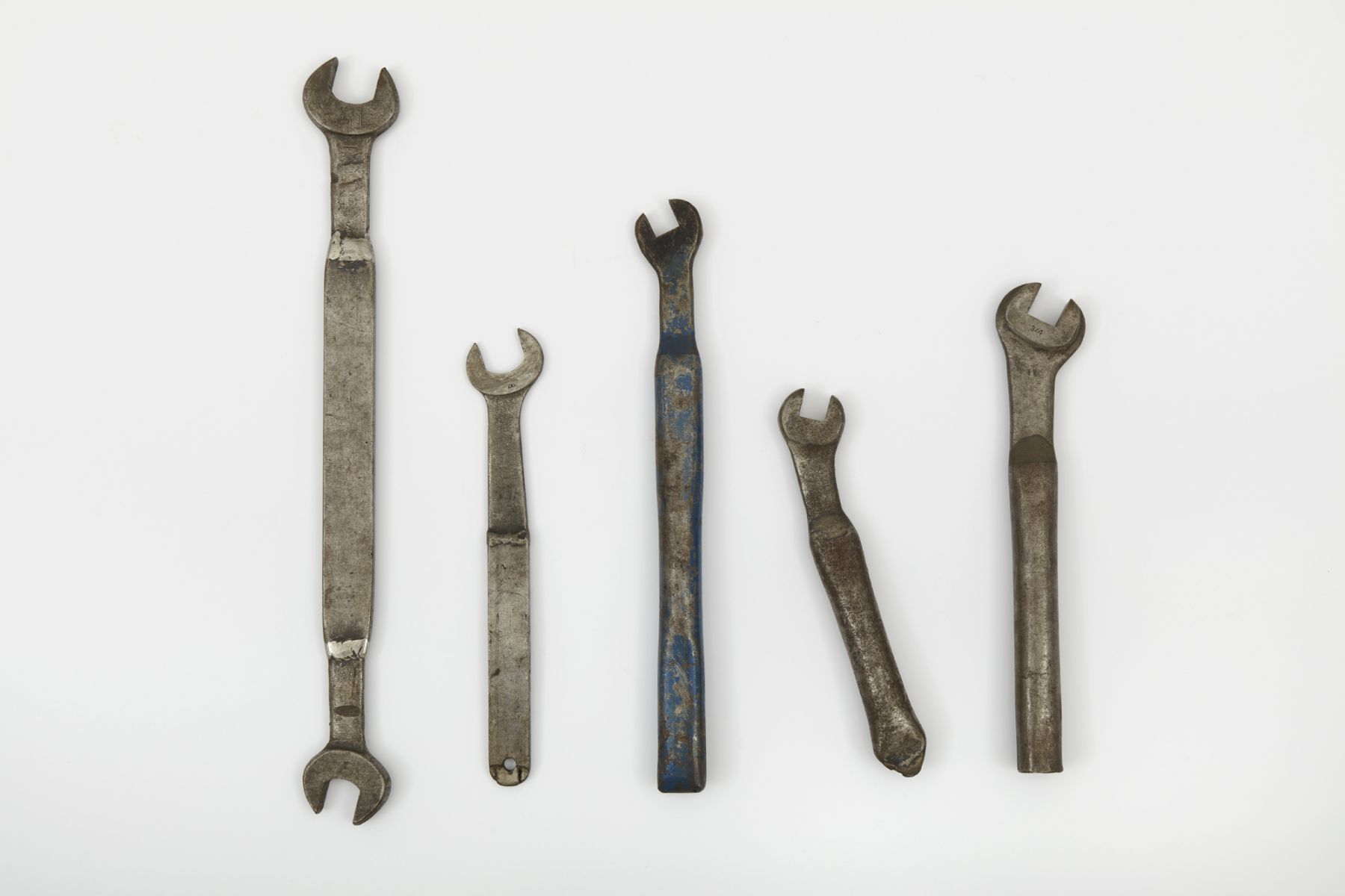 Jorge Pardo, Adjusted Wrenches