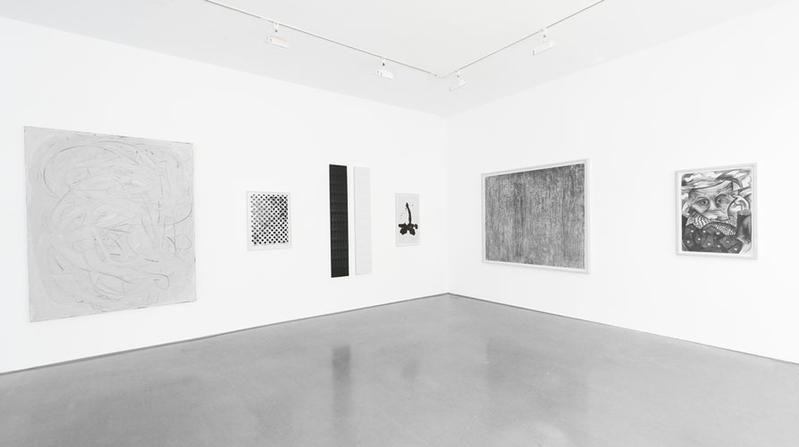 BLACK / WHITE