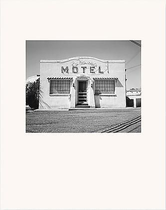 Hardcover, Slipcased, 12 x 15, 60 pages, 47 duotone plates