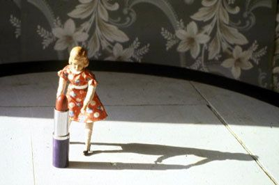 Laurie Simmons, Pushing Lipstick (Full Shadow), 1979
