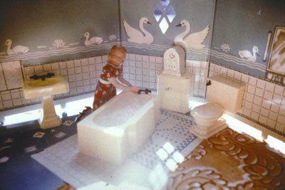 Laurie Simmons, First Bathroom/Woman Kneeling, 1978