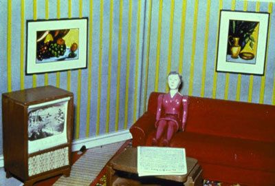 Laurie Simmons, Woman Watching TV, 1979
