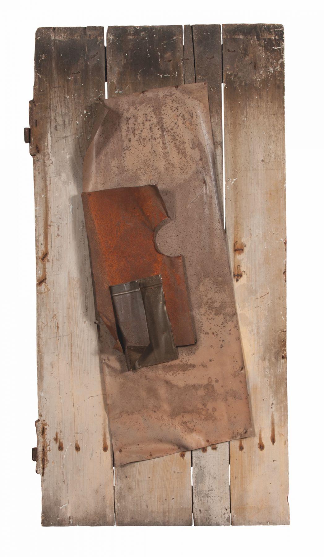 Alejandro Otero, Viva la demolición [Long Live the Demolition], 1962. Metal, Cardboard, plastic, and metal grate on wood, 55 7/8 x 28 5/16 in. (142 x 72 cm.)