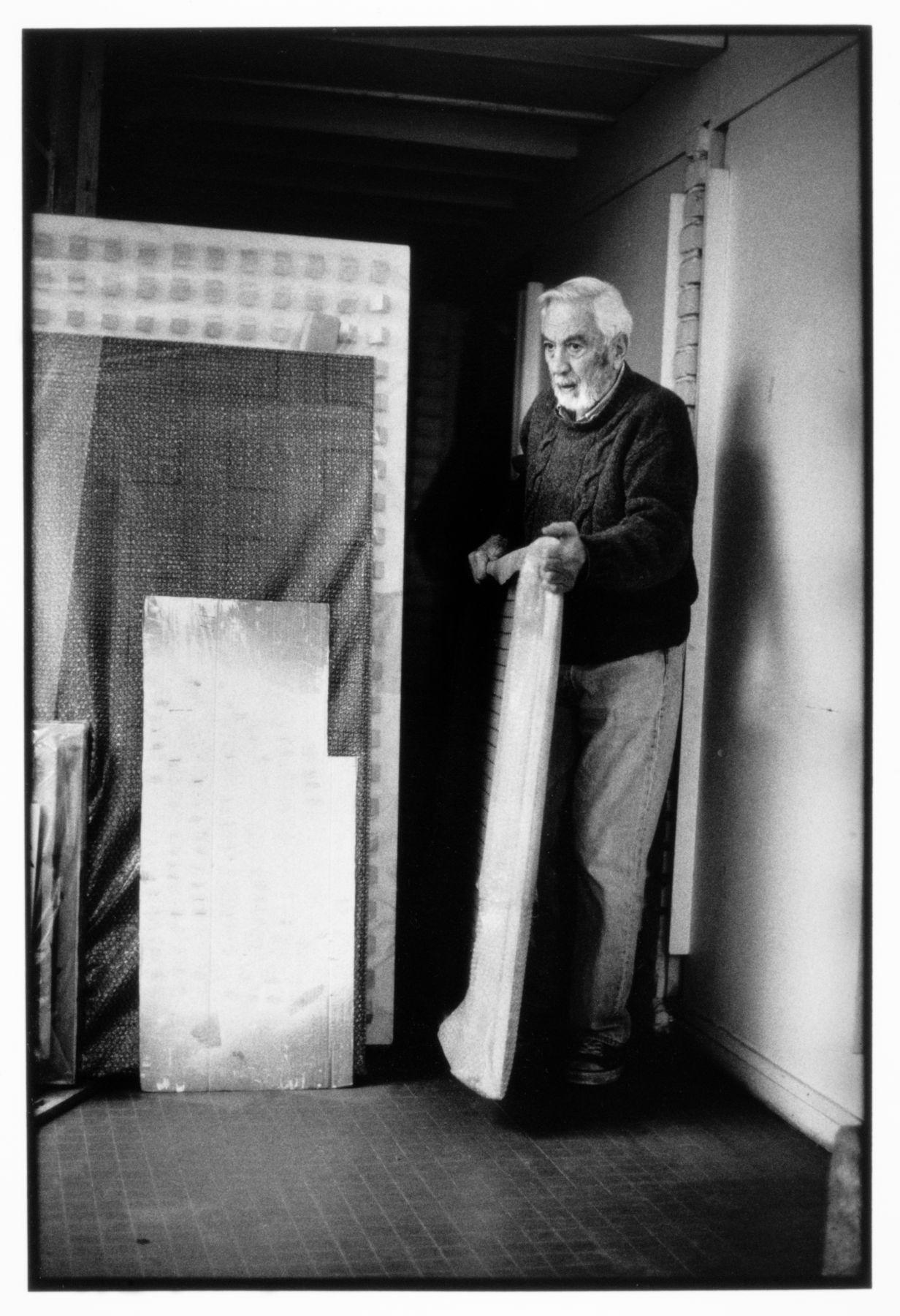 Luis Tomasello in his studio in Paris, 1990s. Photo credit Didier Gicquel
