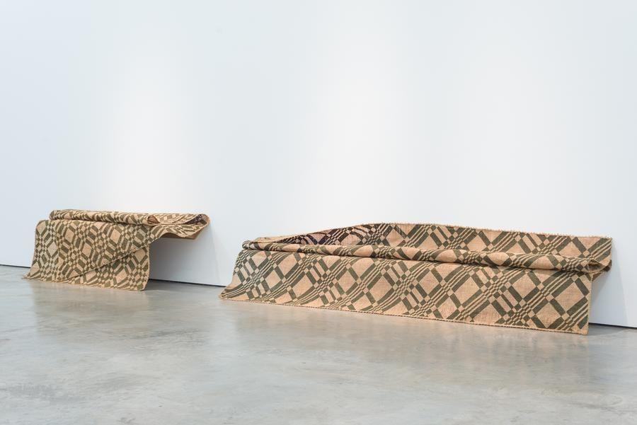 Miguel Ángel Rojas, Sin frío permanente (Edition of 2 + 1AP), 2012. Impression with coca leaf powder on jute, 96 1/2 x 53 1/8 in. / 245 x 135 cm.