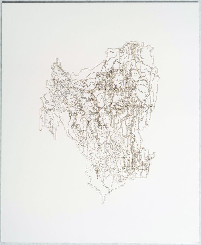 Gustavo Díaz(b. 1969, Argentina)Variaciones conjeturales sobre un bosque inundado de trayectorias cuasi brownianas (previo a la Gran Bifurcación). En algún lugar nieva.Koch. Modelo 001- Era Pre arboritica, 2018 Cut out paper.17 27/32 x 14 3/4 x 1 3/4 in. (45.4 x 37.5 x 4.5 cm.)