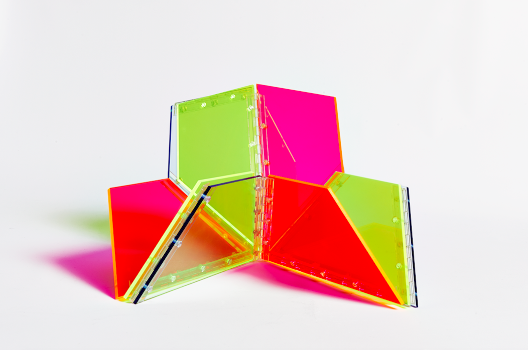 Marta Chilindrón, 9 Trapezoids, 2014.Acrylic and hinges.Diameter: 27 in. (variable dimensions)