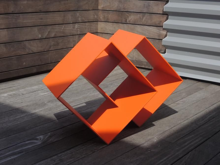 Sérvulo Esmeraldo, Untitled, 2014. Powder coated aluminum, 25 1/4 in. x 27 in. x 38 in.