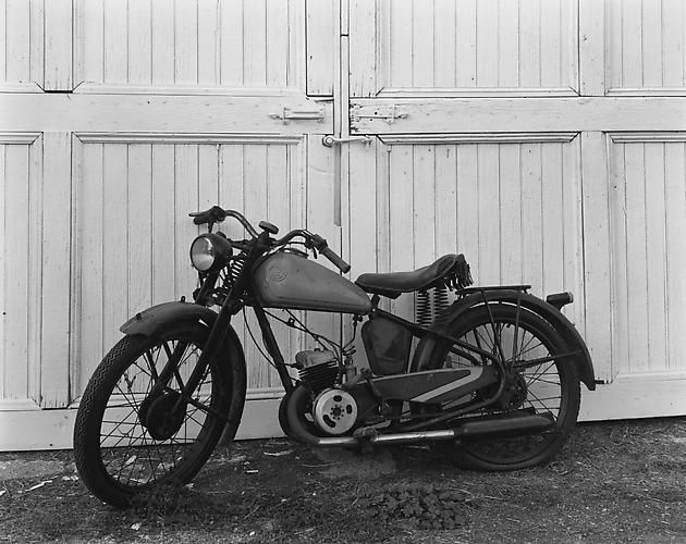 James Dean's Motorcycle, Winslow Farm, Fairmount, IN, 1985